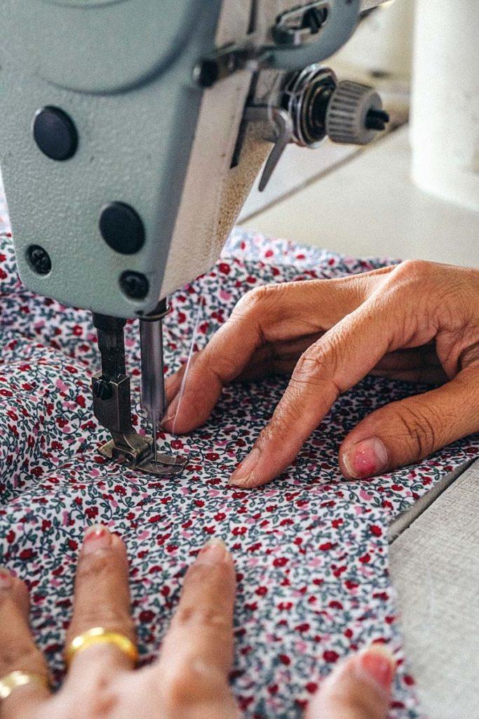 Hoi An Tailor - making shirt