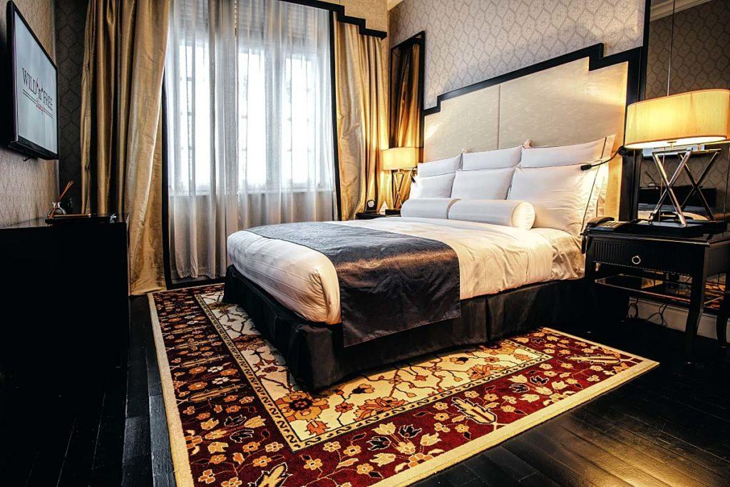 The-Majestic-Kuala-Lumpur-Suite-bedroom