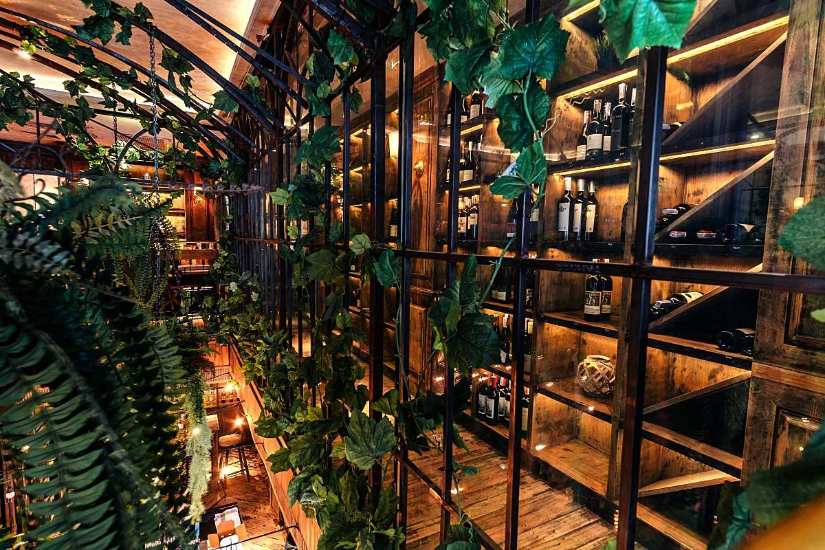 upstairs bar ambiance