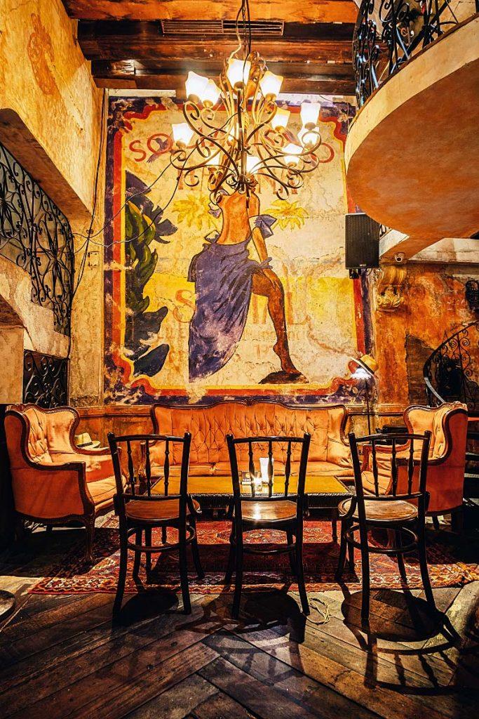 Bangkok hidden bar