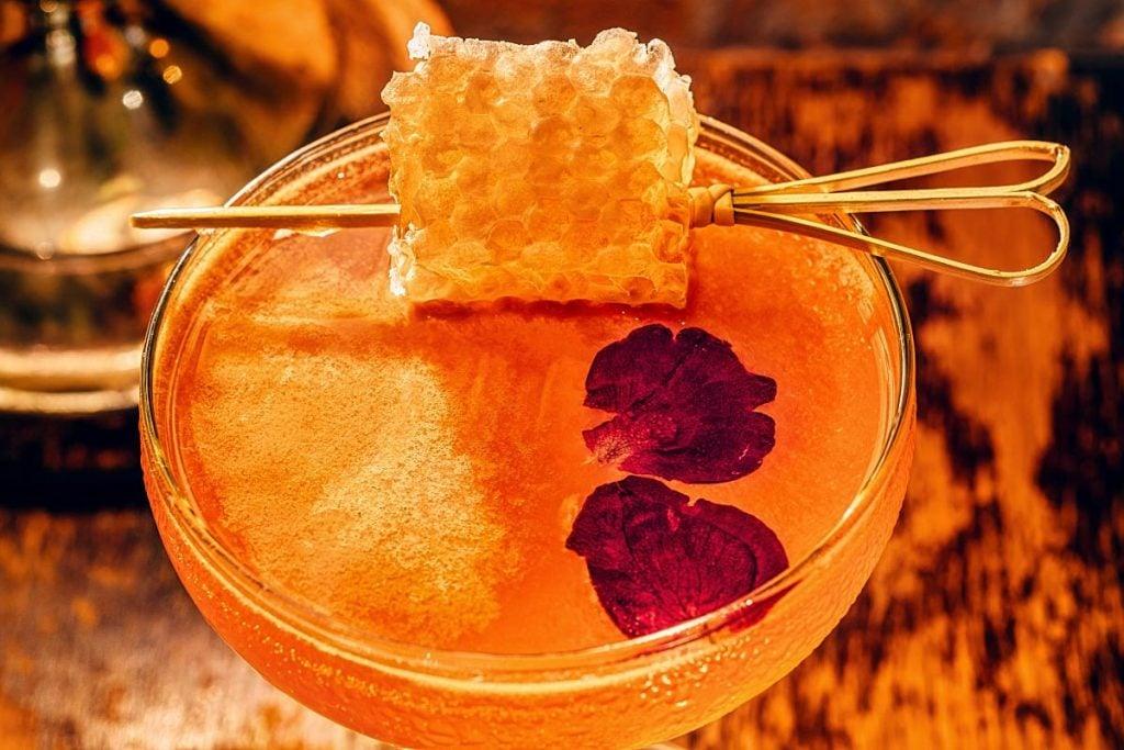 Ricardo Robson cocktail honeycomb garnish