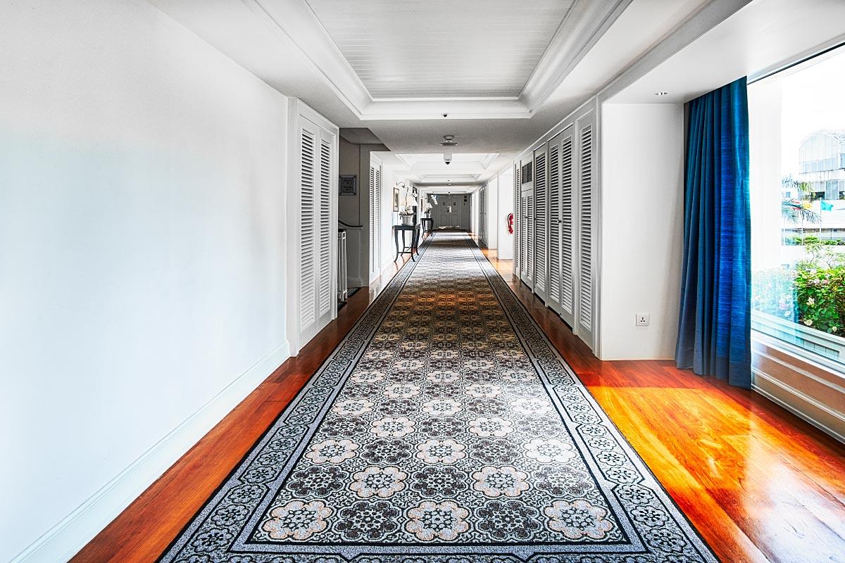 Mandarin Oriental Bangkok Garden Wing hallway