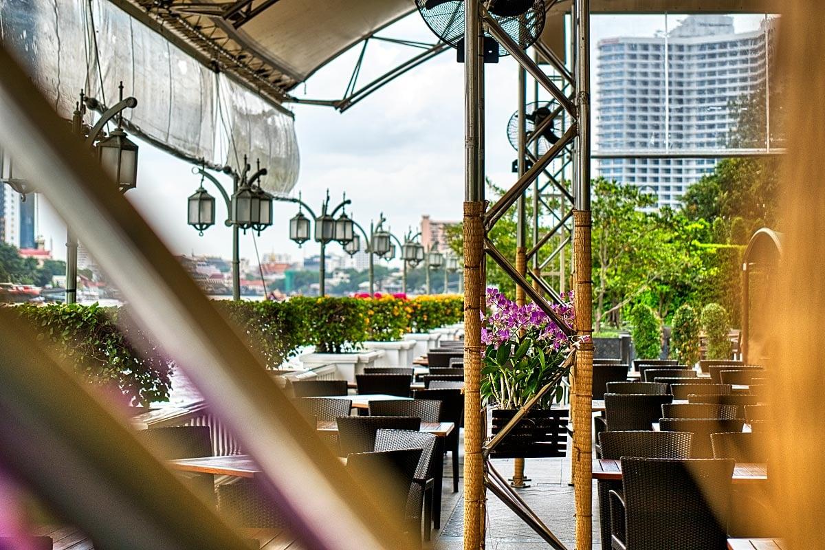 Mandarin Oriental Bangkok outdoor area
