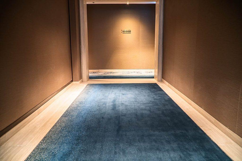 Four Seasons hotel hallway in earthy colors