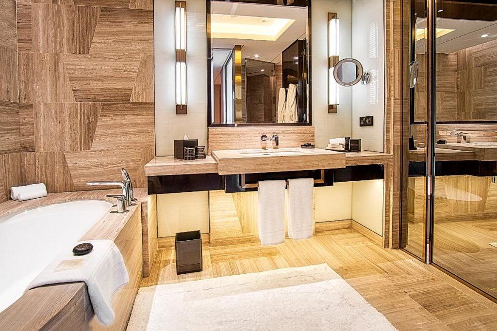 Four Seasons KL bathroom