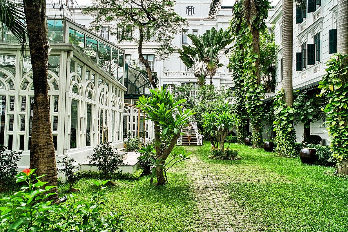 Sofitel Metropole Hanoi Hotel courtyard