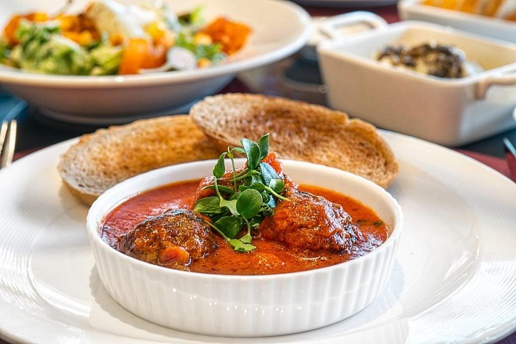 Meatballs stew