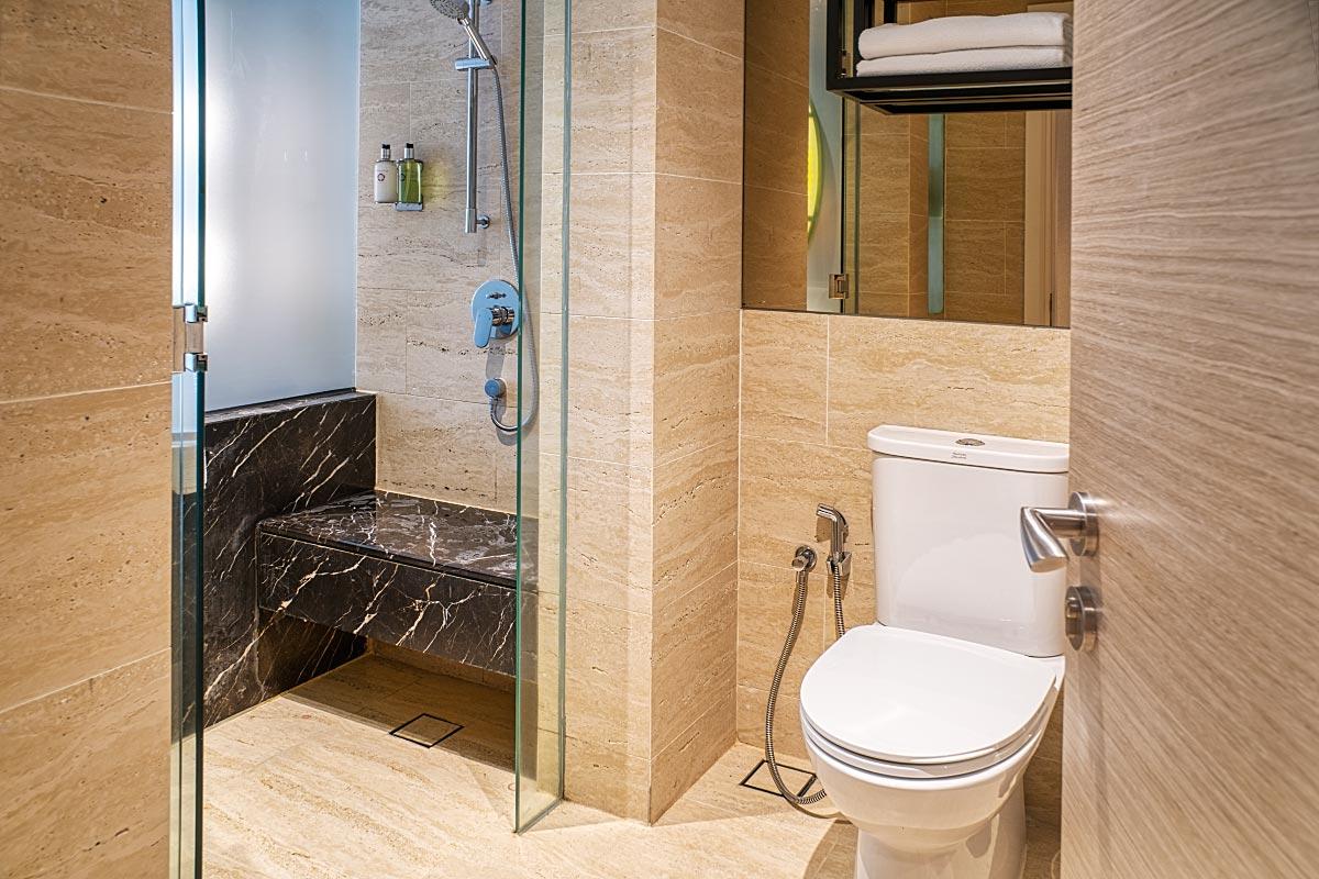 Stripes hotel bathroom