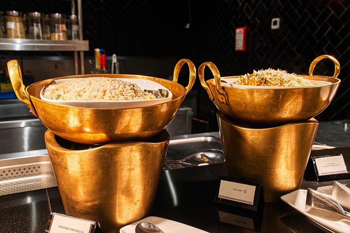Bronze serving pots