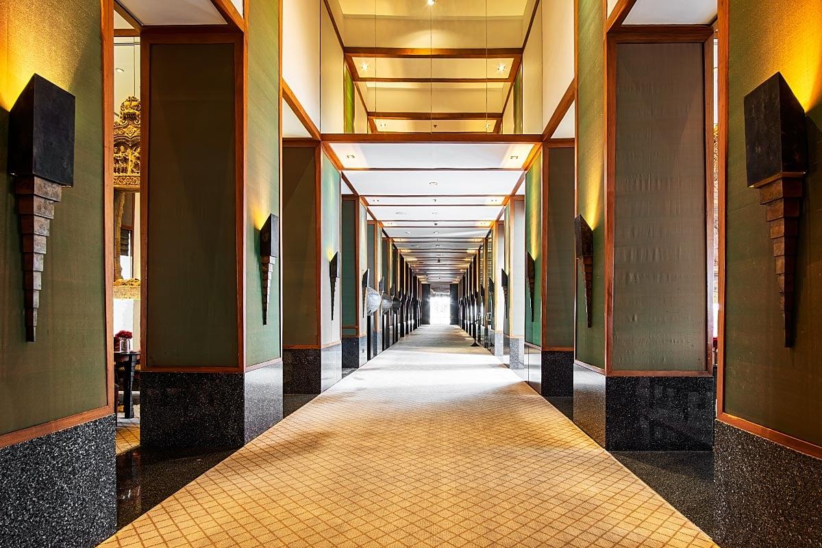 Sukhothai Bangkok hallway