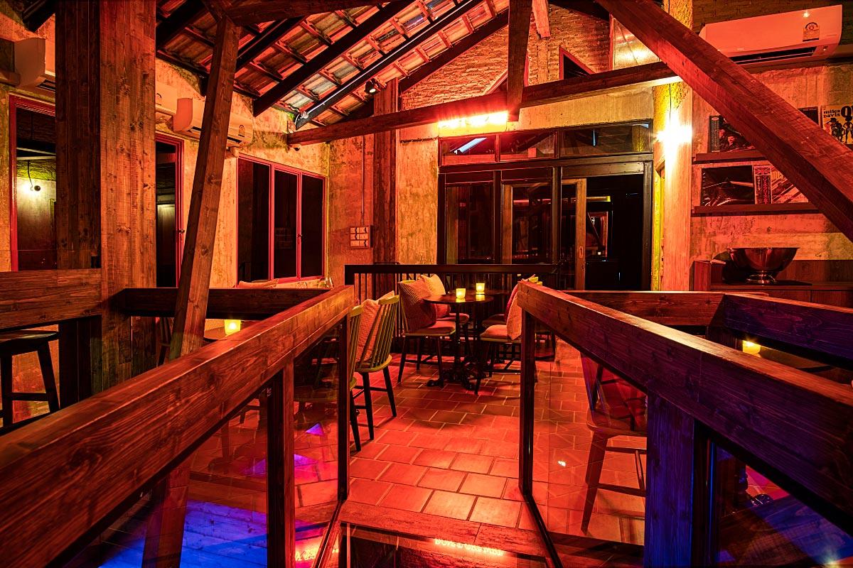 rustic barn style