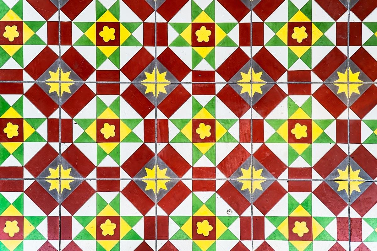 peranakan kristang tiles