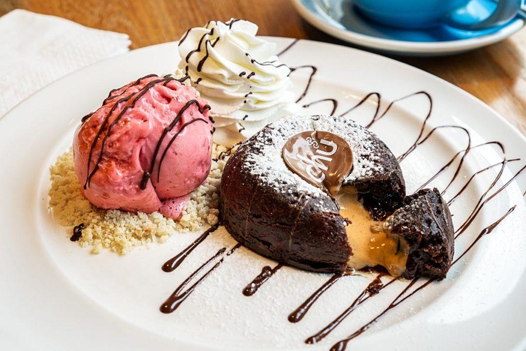 Peanut butter lava cake