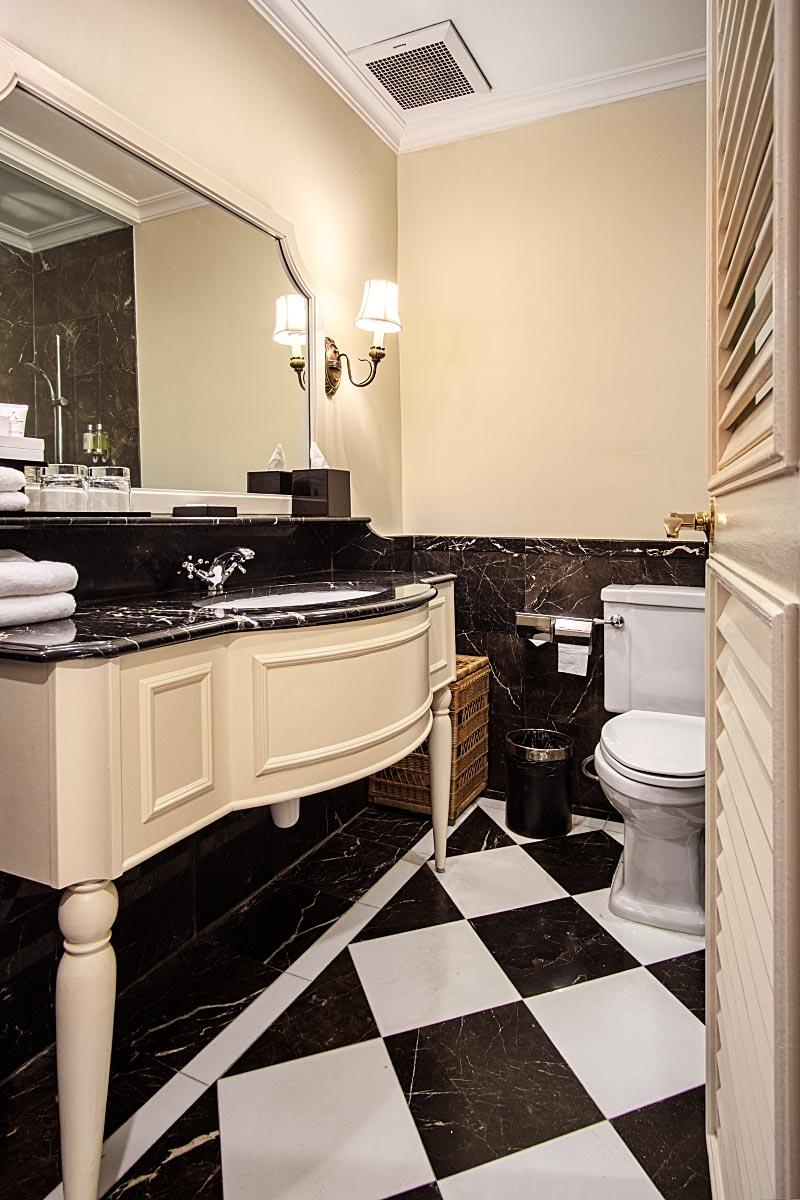 british colonial bathroom design