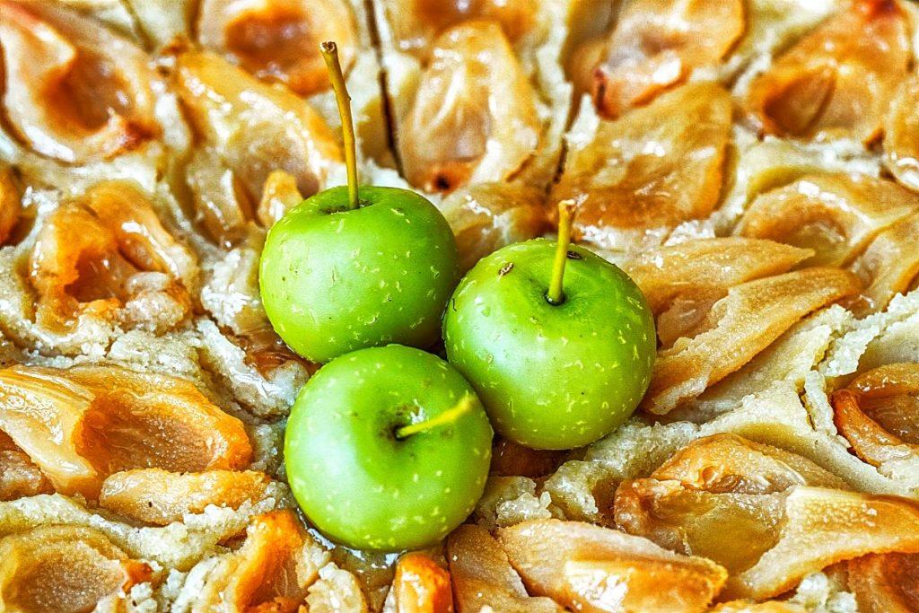 mini apples on pie