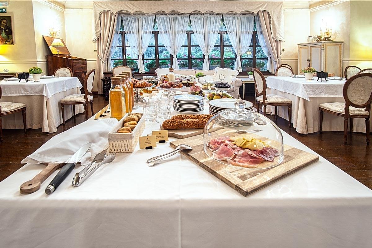 Breakfast at kendov dvorec